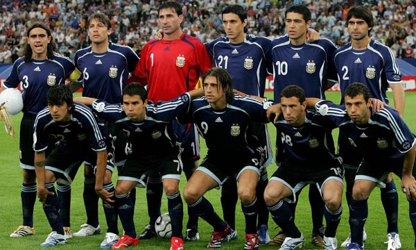 68a9a07a48 Los 32 de Sudáfrica 2010. Hoy  Argentina