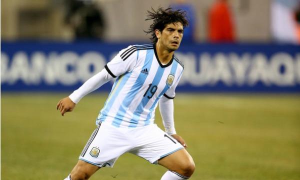 Ever+Banega+Ecuador+v+Argentina+S4ZqLOz-l22l