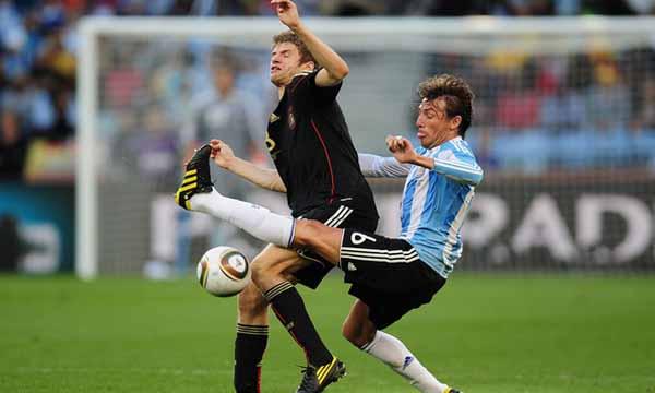 Gabriel+Heinze+Argentina+v+Germany+2010+FIFA+bCNRrJc5iG9l
