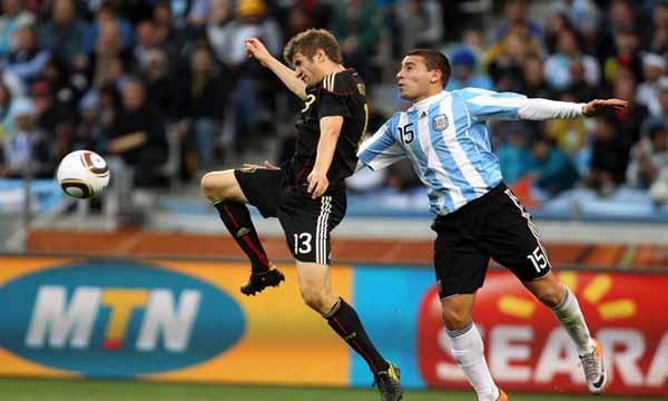 Nicolas+Otamendi+Argentina+v+Germany+2010+-_rQVzccvXYl