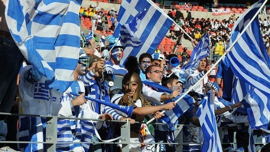 hinchas griegos en 2010