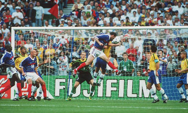 1998 World Cup Final. St Denis, France. 12th July, 1998. France 3 v Brazil 0. France's Zinedine Zidane scores the first goal.