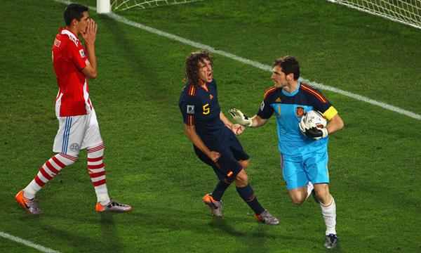 Carles+Puyol+Iker+Casillas+Paraguay+v+Spain+rSmOZsW6se2l