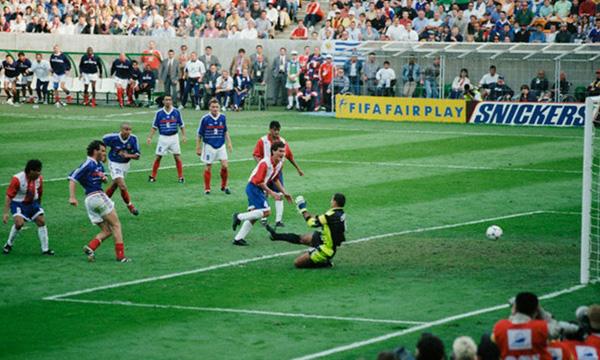 Francia-Paraguay 1-0, il golden gol di Blanc